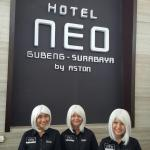Hotel NEO Gubeng Photo
