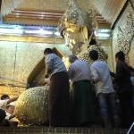 Maha Myat Muni Pagoda- Mahamuni Buddha Temple Foto