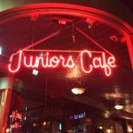 Photo de Junior's Restaurant