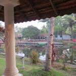 Coir Village Lake Resort Foto