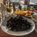Lunch. Mussels and chips - 15e