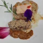Duo de foies : mi-cuit et gelée de Jurançon au piment d'Espelette, poêlé pané dans de la poudre