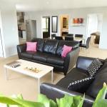 3 bdrm Sofa