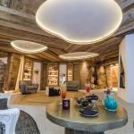 Nouveau salon avec cheminée