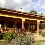 Ahadi Lodge Foto