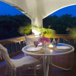 Sur La Plage Villas- Romantic Dining