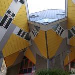 Photo de easyHotel Rotterdam City Centre