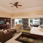 French Village Honeymoon Oceannview Concierge Vera