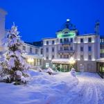 Kronenhof Winter Entrance