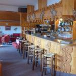 Le bar et le coin salon