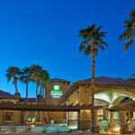 Photo de Holiday Inn Express Hotel & Suites Rancho Mirage - Palm Spgs Area