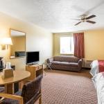 Photo de Rodeway Inn & Suites