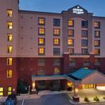 CountryInn&Suites NiagaraFalls ExteriorNight