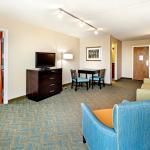 Photo de Holiday Inn Express Charleston Downtown - Ashley River