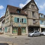 Maisons à pan de bois au bord de l'Eure