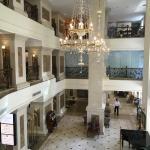 Photo de Grand Hotel Saigon