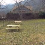 Zona para comer al aire libre, justo al lado de la casa (5 metros)