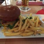 The food LOOKS good but it doesn't taste the greatest. The burger was pretty bad try something e