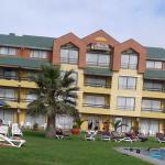 parte del hotel visto desde piscina
