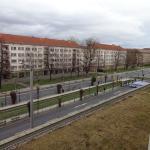 Trotz dem, dass das Hotel direkt an der Straße gelegen ist, hörte man weder Autos noch Bahn!