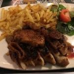 Magret de canard aux figues et au foie gras frais