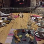 Café gourmand maison au feu de cheminée