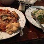 Di Parma Italian Table Foto