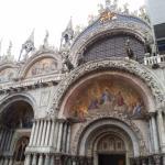 Frontis y relieves de la Catedral de Venecia