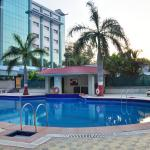 Chiraan Fort Club swimming pool