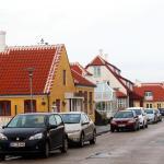 Vejen med alle husene der hører til Ruths Hotel