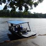 water taxi arrives at Rana Roja
