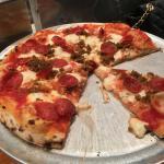 Gorgonzola Piccante pizza