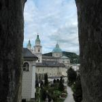 Кладбище рядом с Бенедиктинским аббатством св. Петра в Зальцбурге.