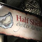 Foto di Half Shell Oyster House
