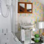 Top Flat bathroom