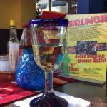 Fitnessteller und Weinglas