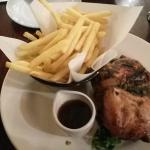 1/2 Chicken with Rosemary & Thymes sauce & Chips