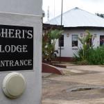 Sheri's Lodge & Backpackers - Entrance