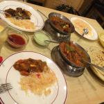 2 main courses with naan, rice, papadum and mango lassi; ideal for 2 people