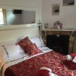 Photo of Ivanhoe House Bed and Breakfast