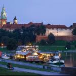 stock-photo-wawel-castle-in-krakow-81641201-1_large.jpg
