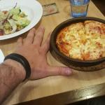 Pizza Hut in China is alway so dissapointing. Rude and confused waitress + mediocre food. Unfort