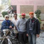 Photo souvenir de notre départ avec RAMAN et son père