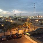 Photo de Wingate by Wyndham Los Angeles International Airport LAX
