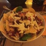 Una ensalada exquisita recomendada por Adrián, q dicho sea agradecer su amable servicio al clien