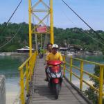 the bridge that connects two islands - lembongan and ceningan
