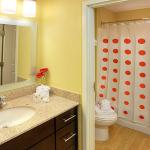 Photo de TownePlace Suites Chicago Lombard