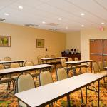 Photo de Holiday Inn Express Hotel & Suites Palm Bay