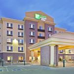 Close to shopping, the Holiday Inn Express in Lynnwood