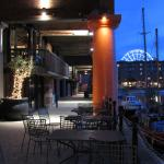 Albert Docks beim Restaurant Custo